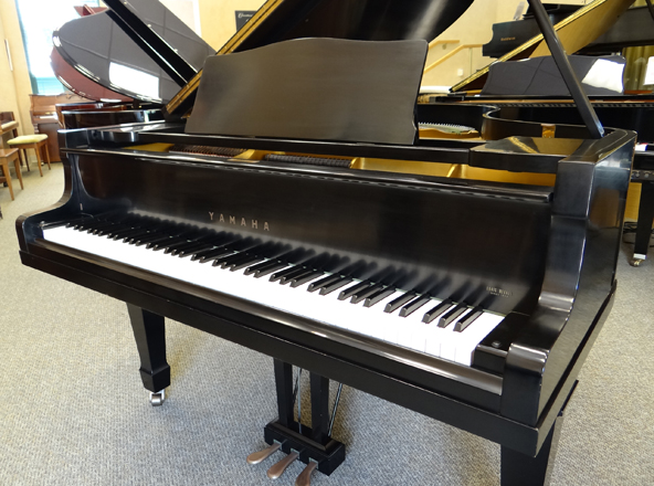 Used yamaha grand piano used piano center for Price of a yamaha baby grand piano